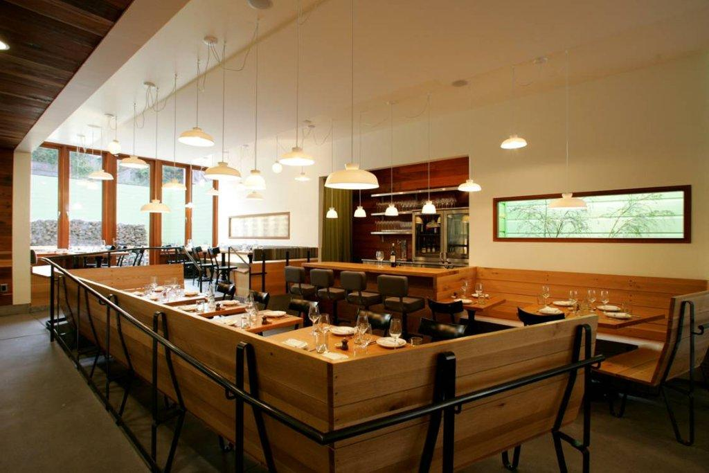 Contigo Restaurant White Oak Custom Cabinetry and Furnitire